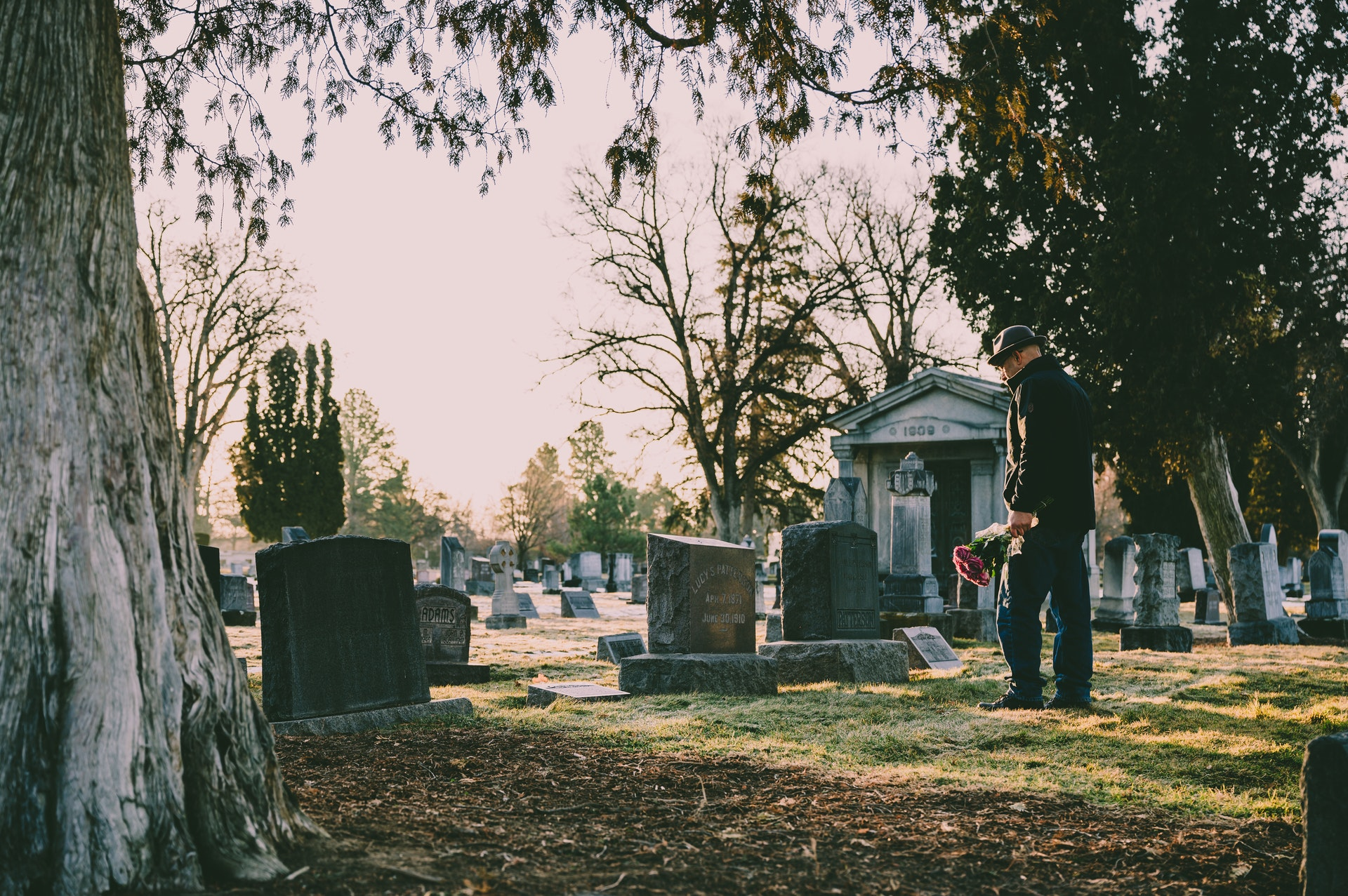 4 Unique Ways to Honor Your Loved One at the Funeral