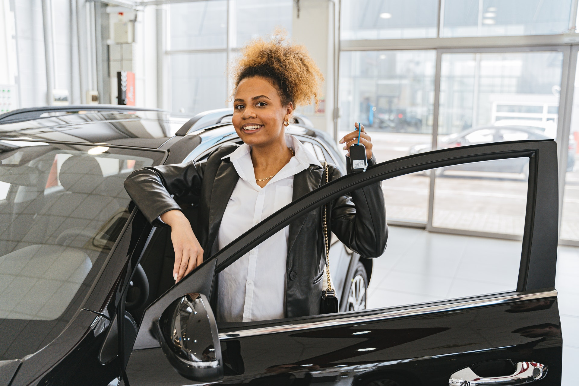A Look at Considerations to Make When Buying a New Car